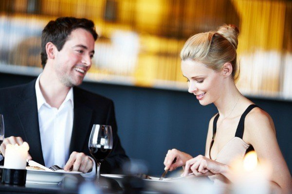 how to win a guy over on the first date