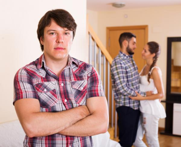 What to do if my boyfriend is very jealous - How a very jealous person acts
