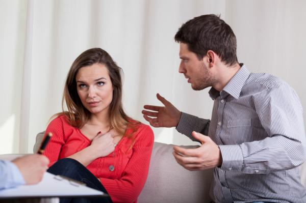 Gaslighting or gas light according to psychology - Examples of gaslighting in couples