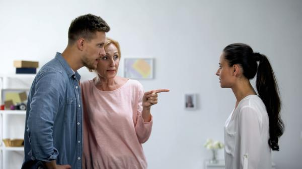 how to deal with toxic mother in law
